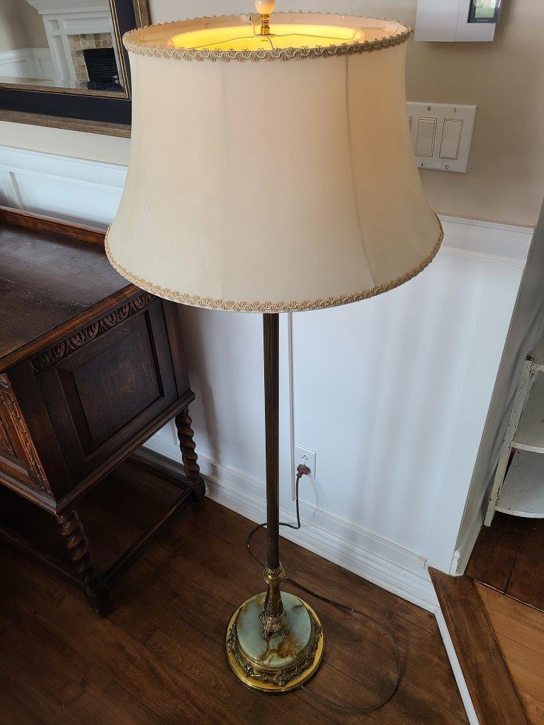 Magnifique lampe sur pied antique brass marbre2