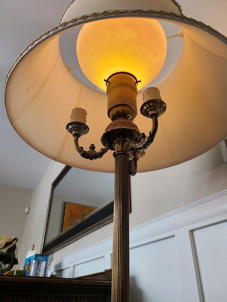 Magnifique lampe sur pied antique brass marbre3