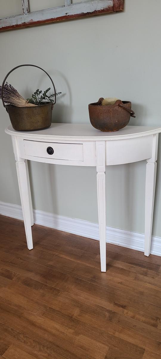 Superbe table crédence blanche avec un tiroir2