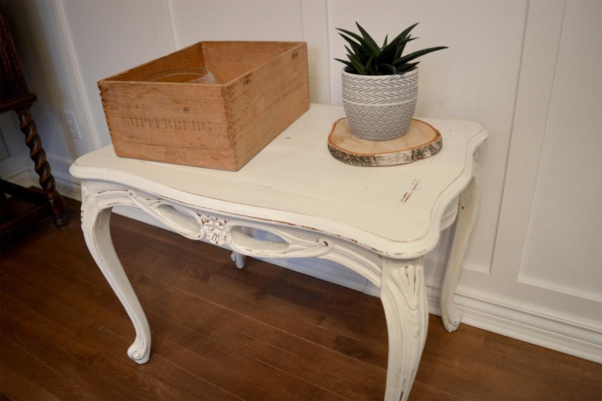 Superbe petite table d'appoint blanc cassé shabby chic2