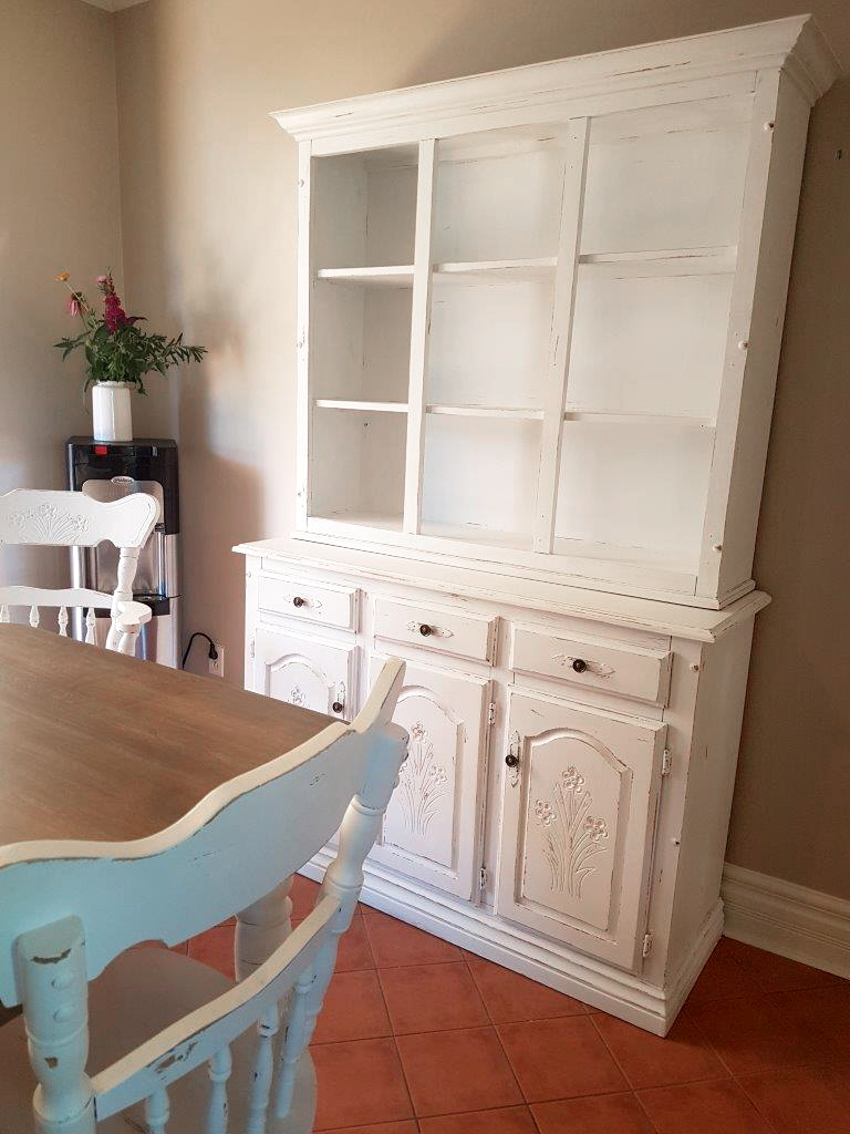 Vaisselier, buffet deux corps style shabby chic, blanc