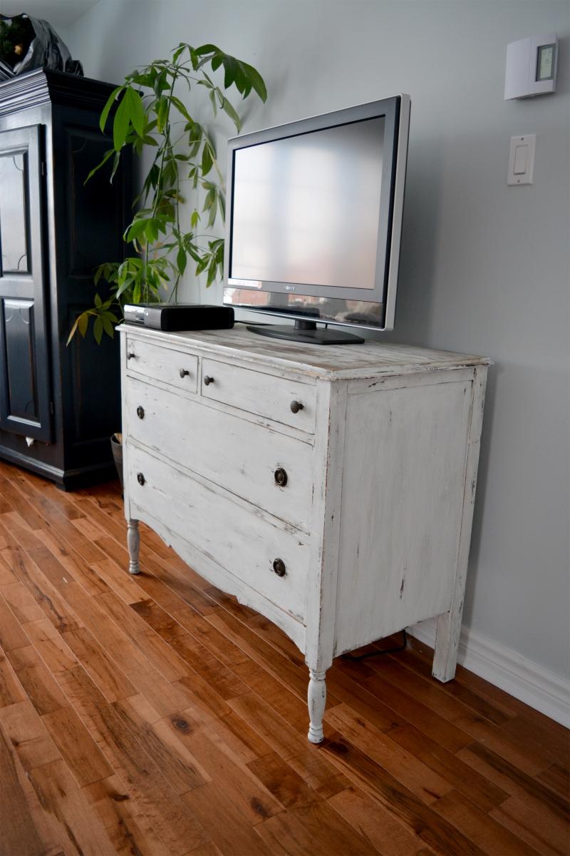 Shabby Chic Distressed Dresser White Beige And Dark Wood