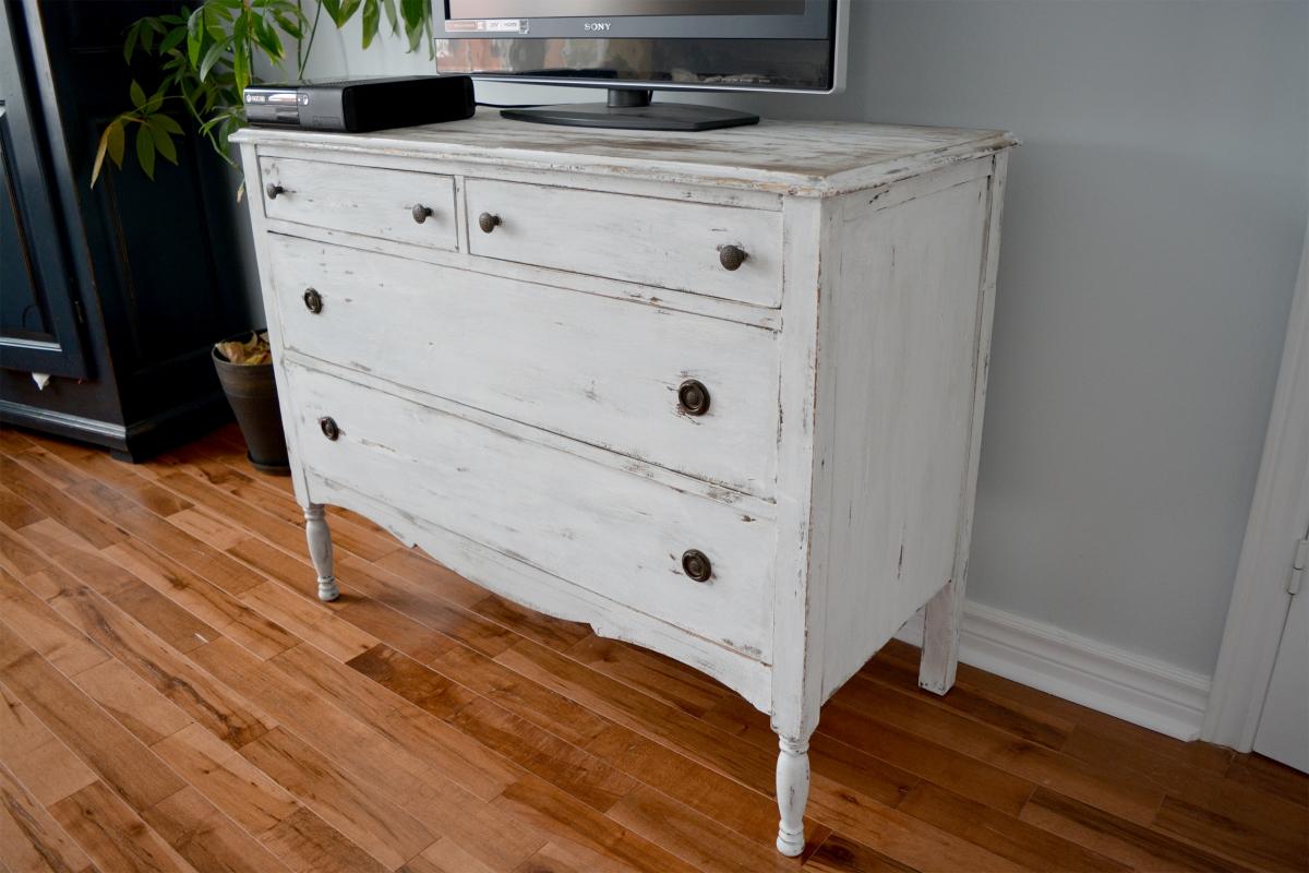 commode shabby chic. Black Bedroom Furniture Sets. Home Design Ideas