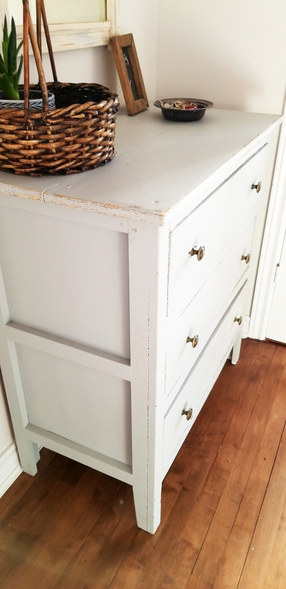 Commode grise trois tiroirs shabby chic2