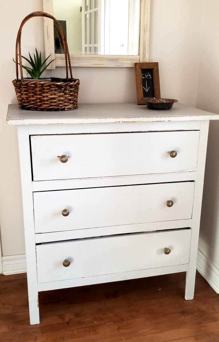 Commode grise trois tiroirs shabby chic