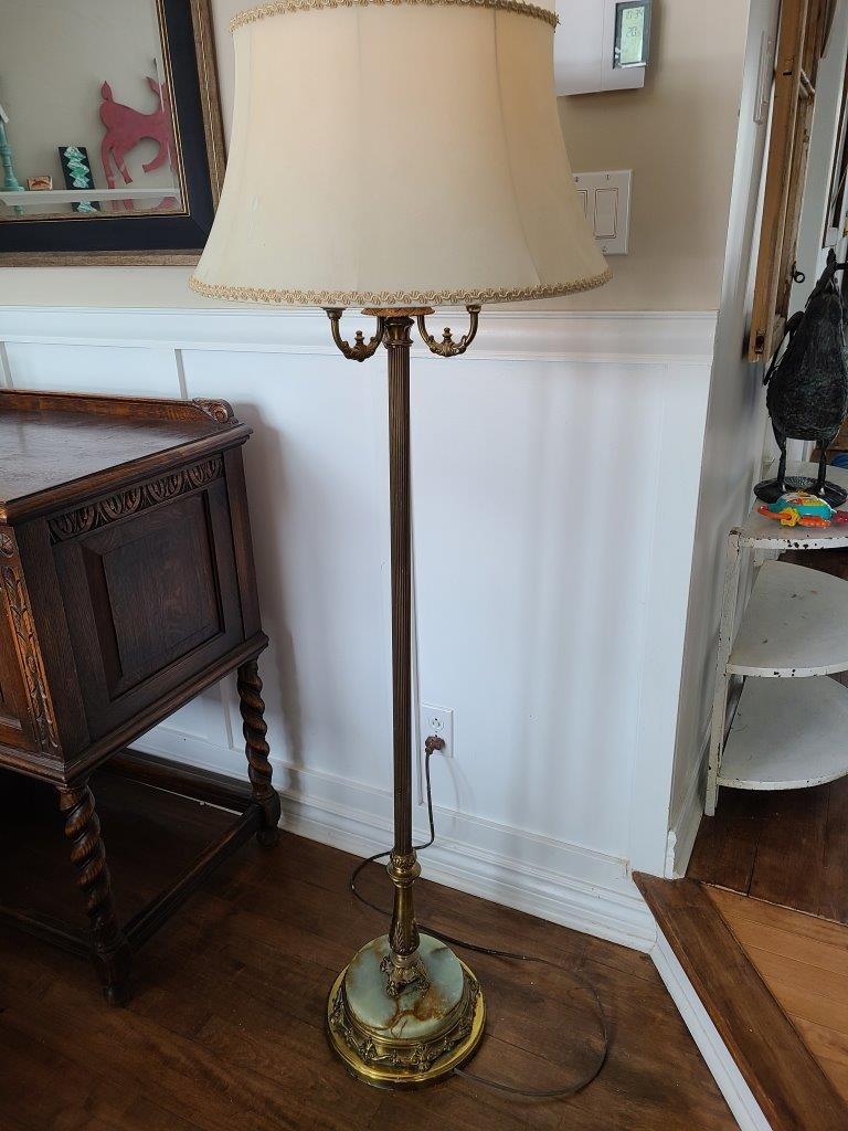 Magnifique lampe sur pied antique brass marbre