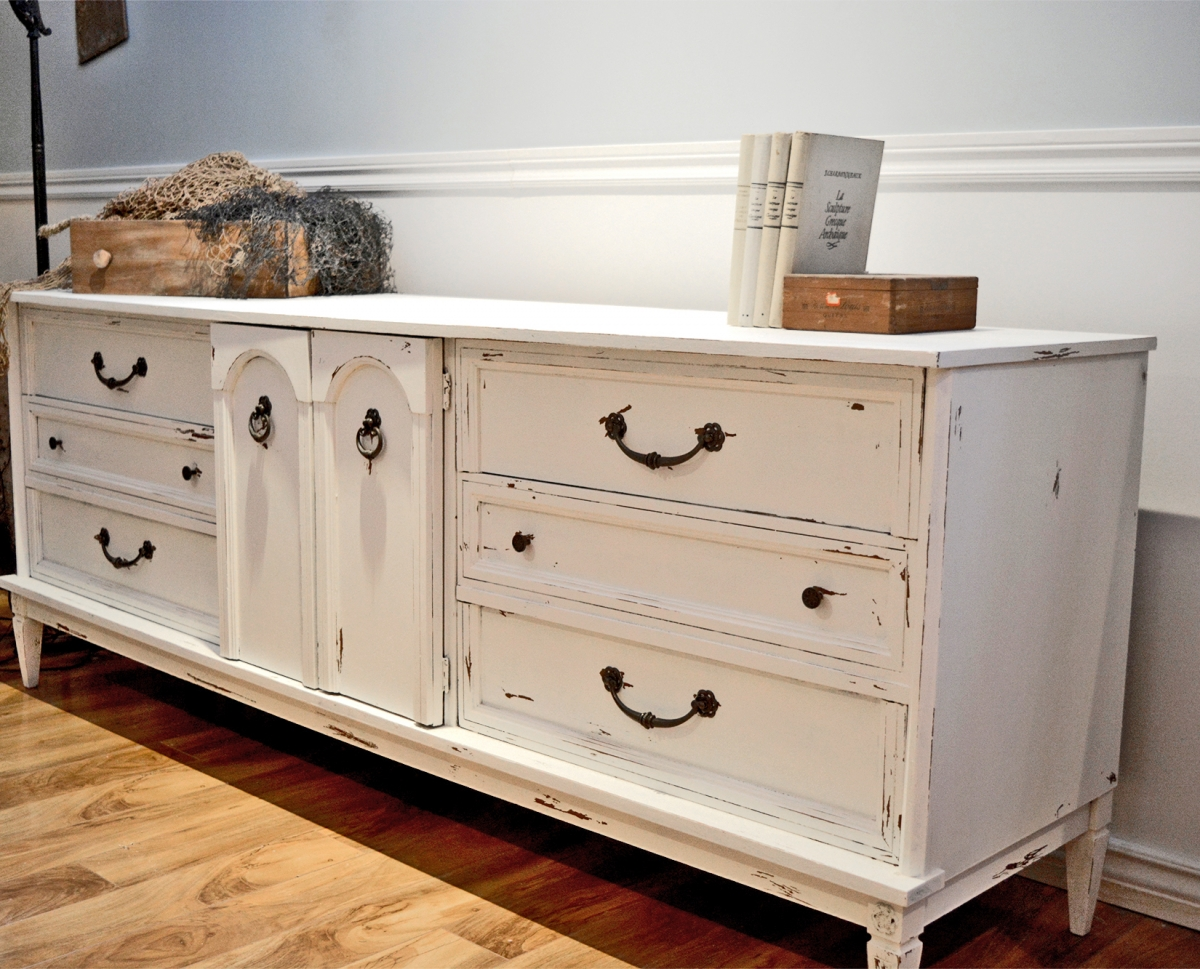 distressed sideboard awesome distressed buffet sideboards inspiring sideboard buffet. Black Bedroom Furniture Sets. Home Design Ideas