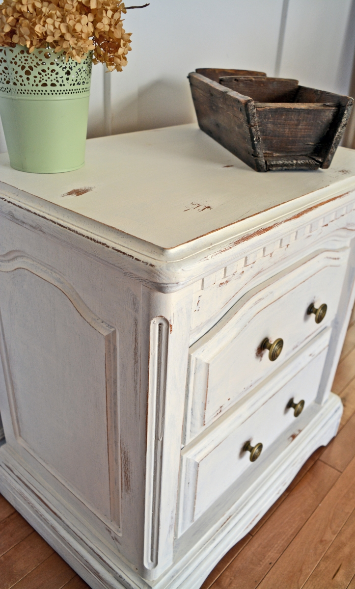 Picture of: Bedside Night Tables White Shabby Chic Cream Off White