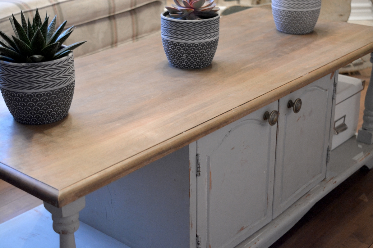 Table de salon shabby chic grise dessus bois2
