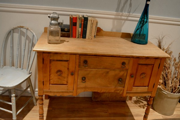 Buffet bas Antique petit format en bois6