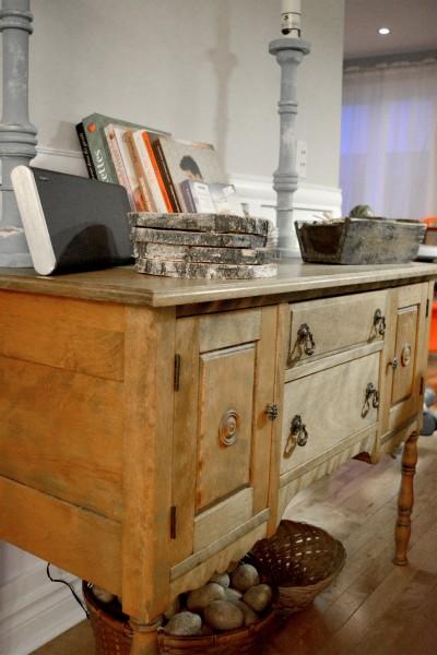 Buffet bas Antique petit format en bois