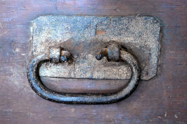 Coffre de menuisier antique en bois pin rustique6
