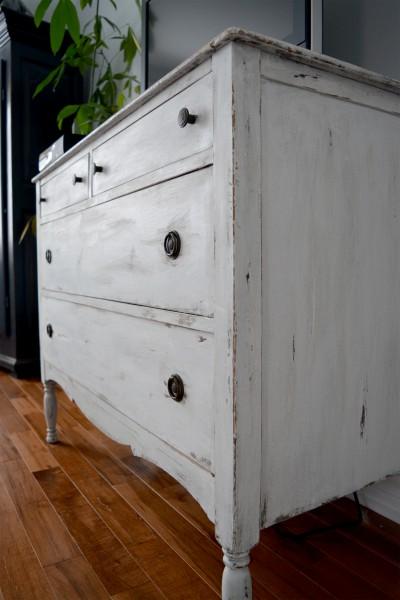 Commode shabby chic blanche / beige et bois foncé4