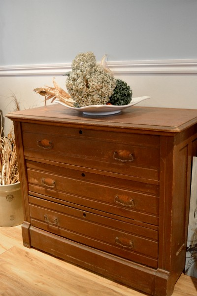 Commode en pin antique originale2