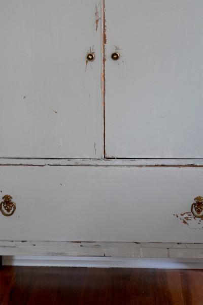 Commode en bois shabby chic gris blanc usée5