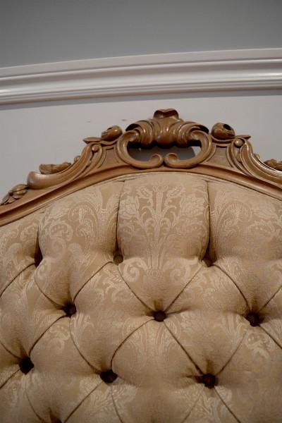 Divan antique victorien beige, bois rose sculptée5