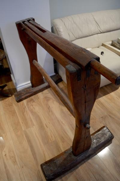 Écrase lin antique, teilleuse support à serviette en bois 2