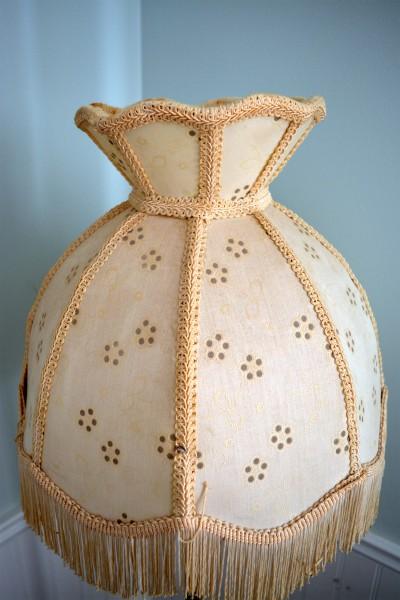 Lampe sur pied antique, vintage en laiton ,brass abat-jour beige4