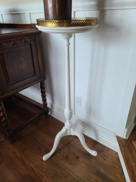 Magnifique table haute ronde blanc et or