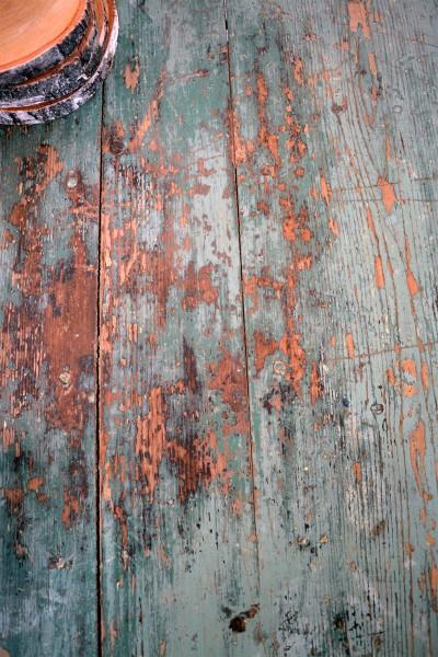 Magnifique table antique turquoise et beige en bois3