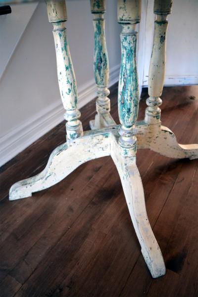 Magnifique table antique turquoise et beige en bois2