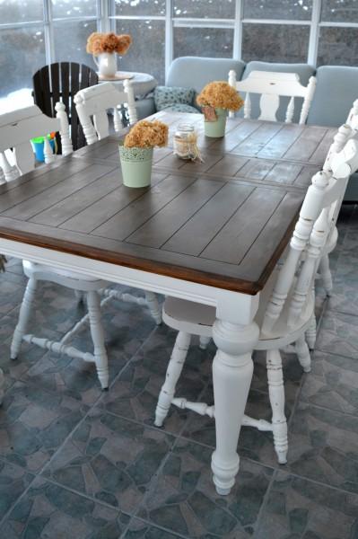 Table de salle à manger crème, bois et 4 à 8 chaises