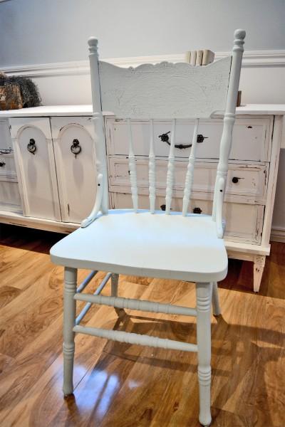 Table ronde crème et 4 chaises antique pressback turquoises4