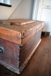 Coffre de menuisier antique en bois pin rustique